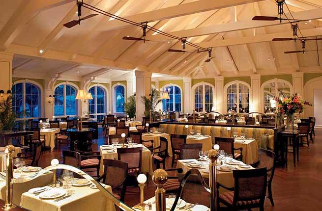 6-cafe-martinique-atlantis-bahamas