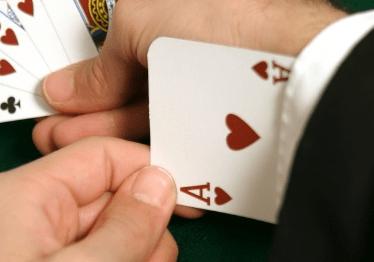 กลโกงที่ผู้เล่นใช้เพื่อเอาชนะคาสิโนออนไลน์ ทำได้จริงหรือ?