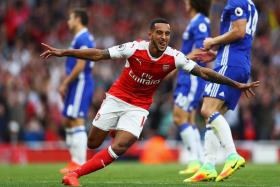 28-theo-walcott-has-now-for-c