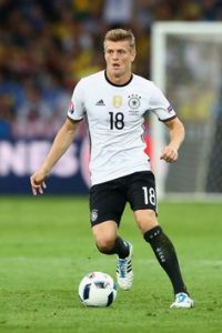 2-real-madrids-toni-kroos-for-c