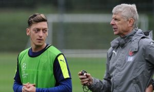 22-mesut-ozil-arsene-wenger-for-c