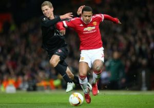 5-memphis-depay-fighting-for-c