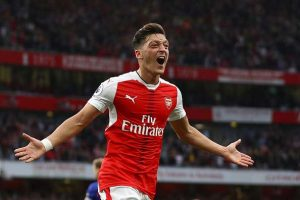 610110578-mesut-ozil-of-arsenal-celebrates-scoring-his-gettyimages-1474878953-800