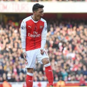 13-manchester-united-on-arsenals-failure-mesut-ozil-for-c