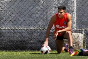 14-arsene-wenger-warned-chile-alexis-sanchezs-injury-for-c