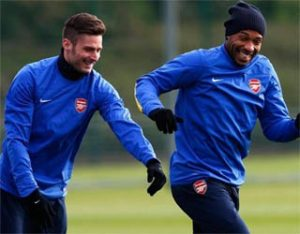 2-giroud-can-help-arsenal-1