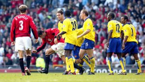 skysports-ruud-van-nistelrooy-martin-keown-ray-parlour-arsenal-manchester-united_3832196